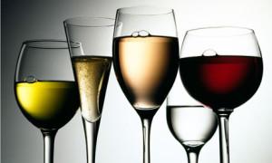 Glasses-of-wine-002[1]